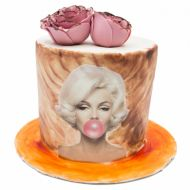 کیک مرلین مونرو