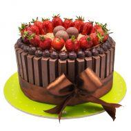 کیک کیت کت و توت فرنگی