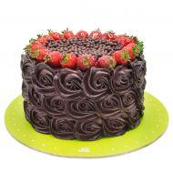 کیک رز شکلاتی و توت فرنگی