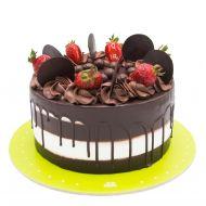 کیک شکلات وانیل و توت فرنگی