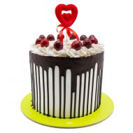 کیک قلب و گیلاس