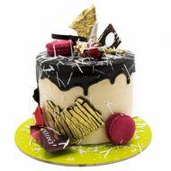 کیک خامه ای شکلاتی ماکارون