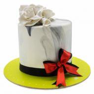کیک پاپیون قرمز