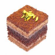 شیرینی شکلاتی مربعی با خلال پسته